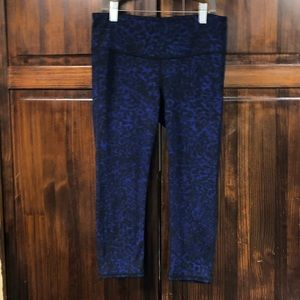 Athleta blue & black cropped leggings size small